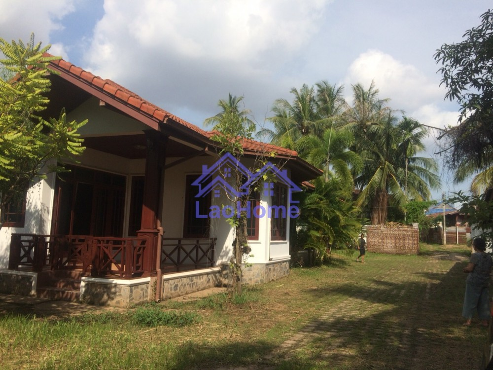 house for sale with garden