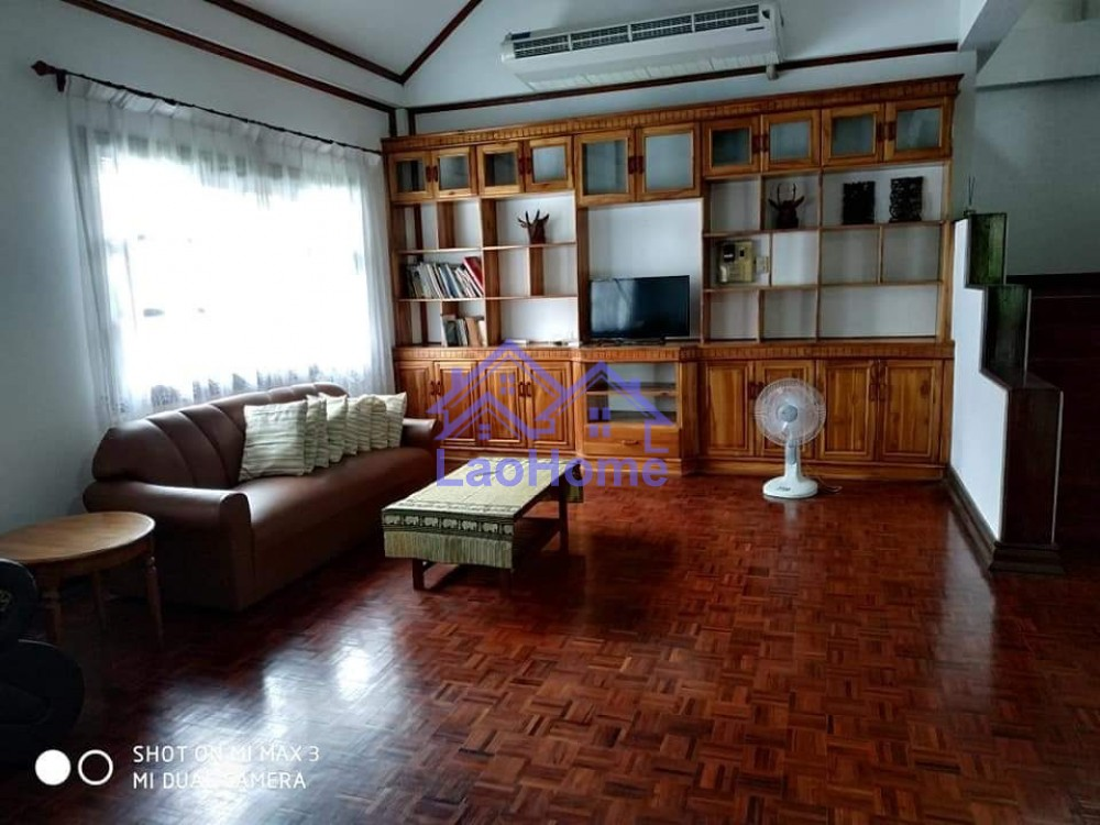 ID: 1395 - Villa house for rent with garden and tree
